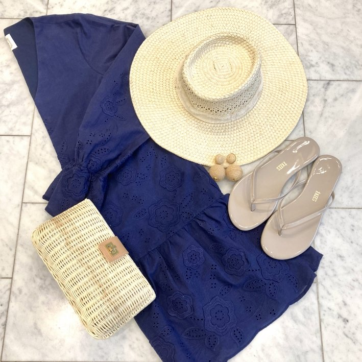 sail to sable blue dress sun hat tuckernuck earrings and clutch and tkees flip flops