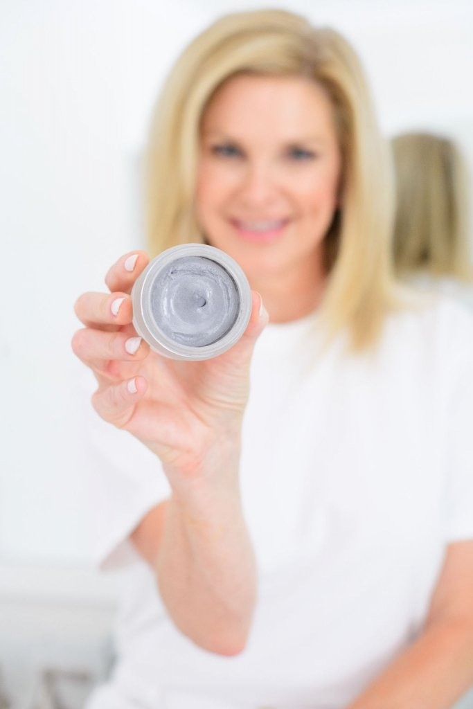 Tanya Foster with Omorovicza moor mud product